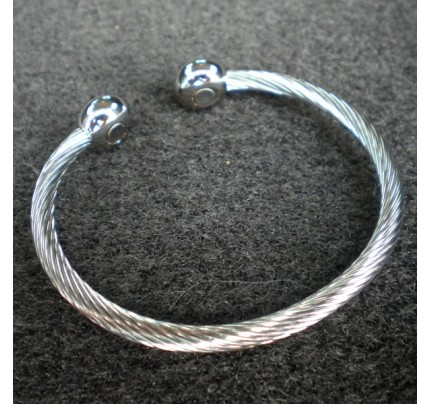 Positive Energy Braided Silver Stainless Steel 1-Magnet Bracelet with Silver Terminals (Medium)